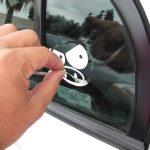 Indepartarea stickerelor auto vechi